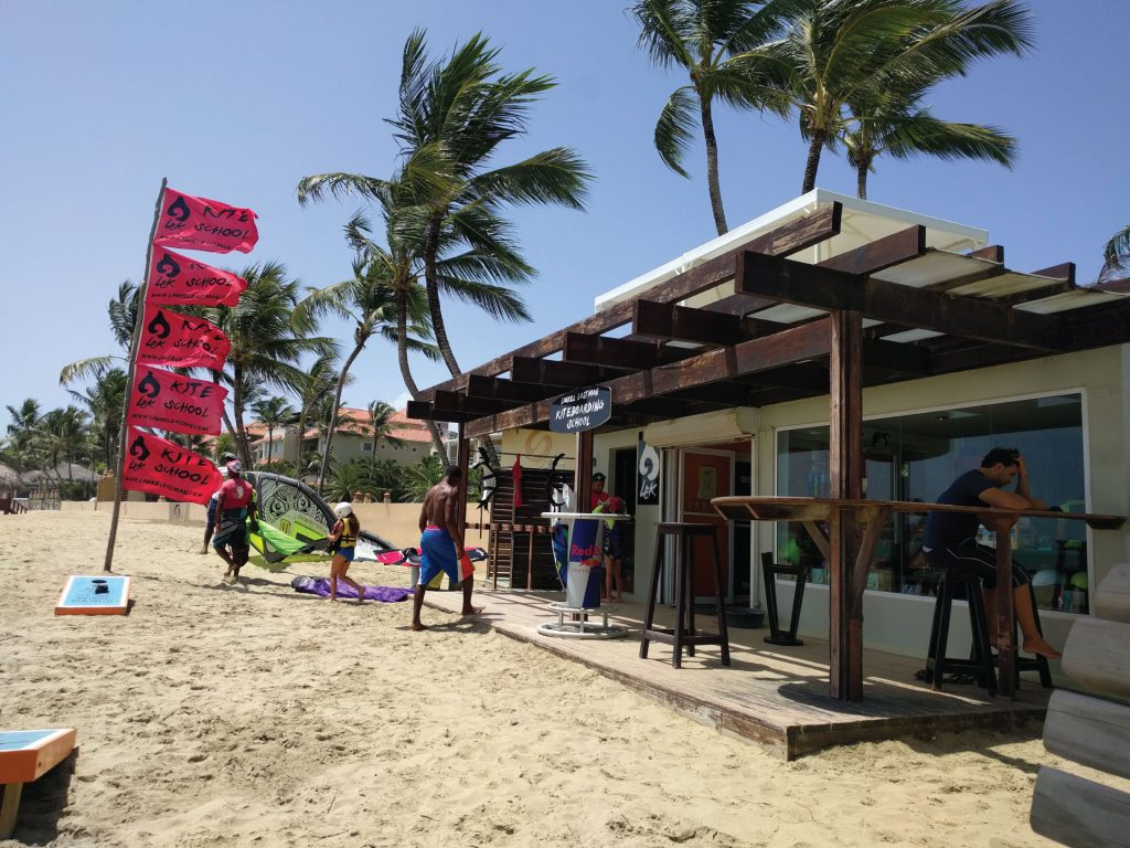 Laurel Eastman Kiteboarding (LEK) school